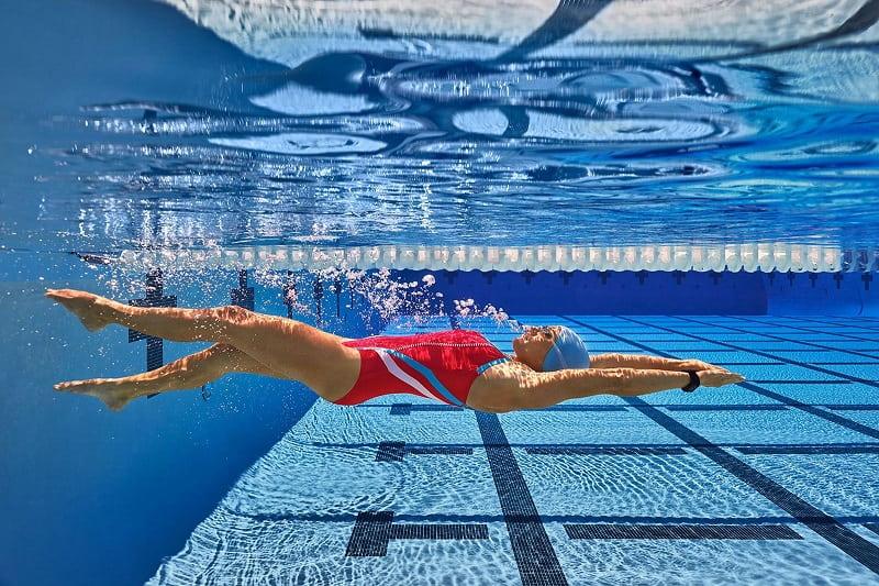 Hướng dẫn cách bơi ngửa đúng kỹ thuật