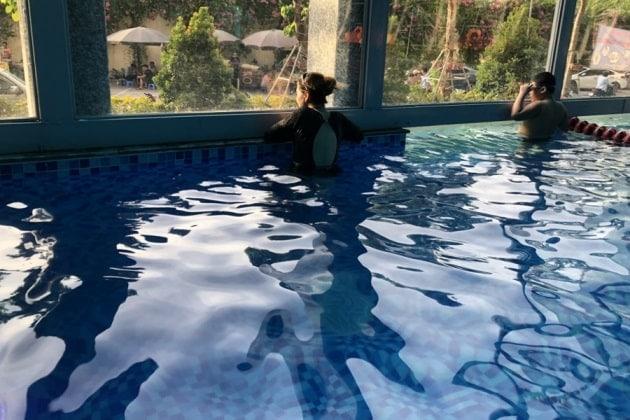 Học bơi tại bể bơi việt đức complex