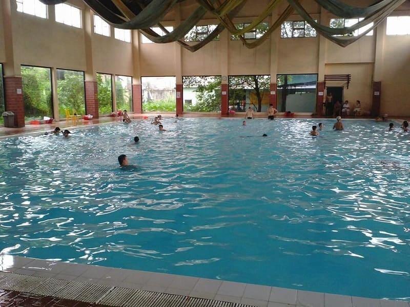 Bể bơi bốn mùa Trương Định