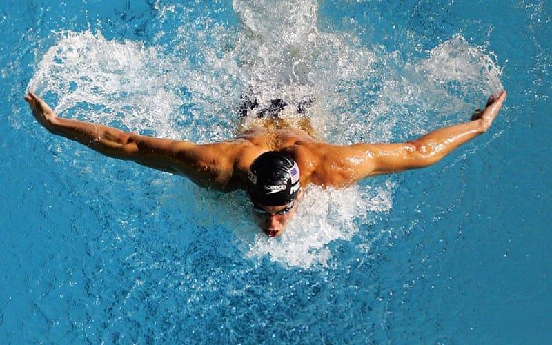 Bạn hãy kết hợp ăn bí đao với bơi lội hoặc các bộ môn thể thao khác nữa nhé