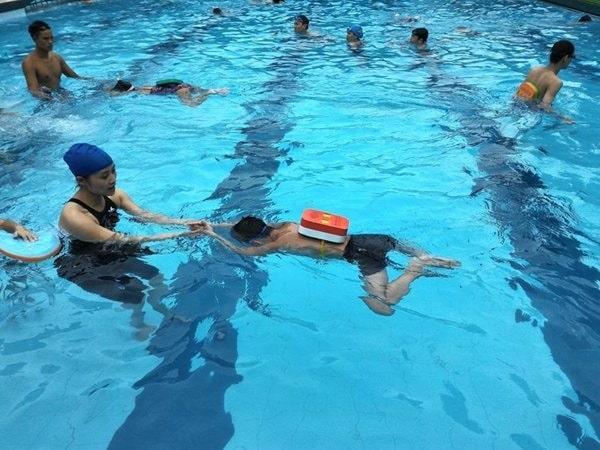 Học bơi giá bao nhiêu tiền